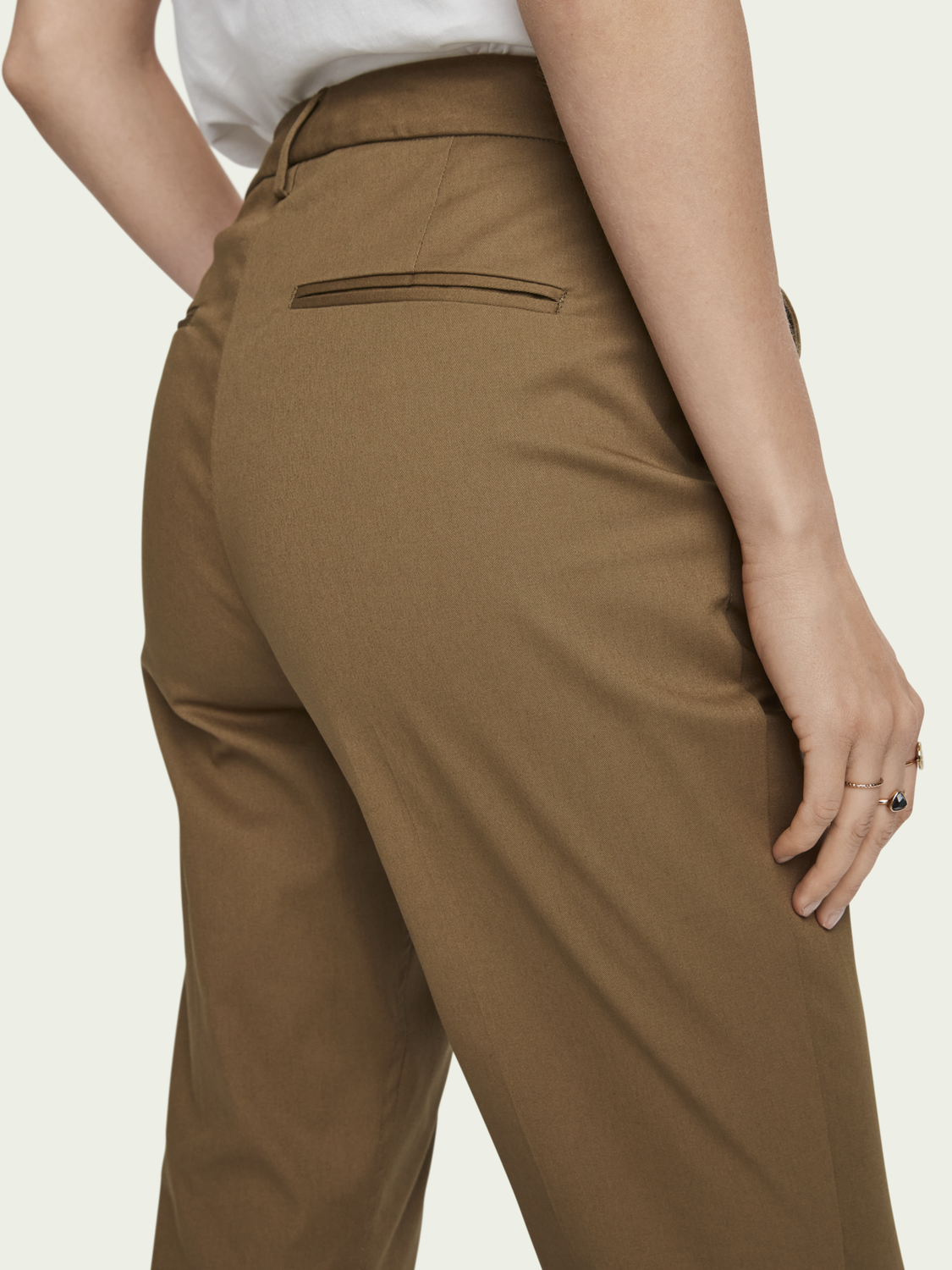 Women Bell – stretch cotton   Mid-rise slim fit chino