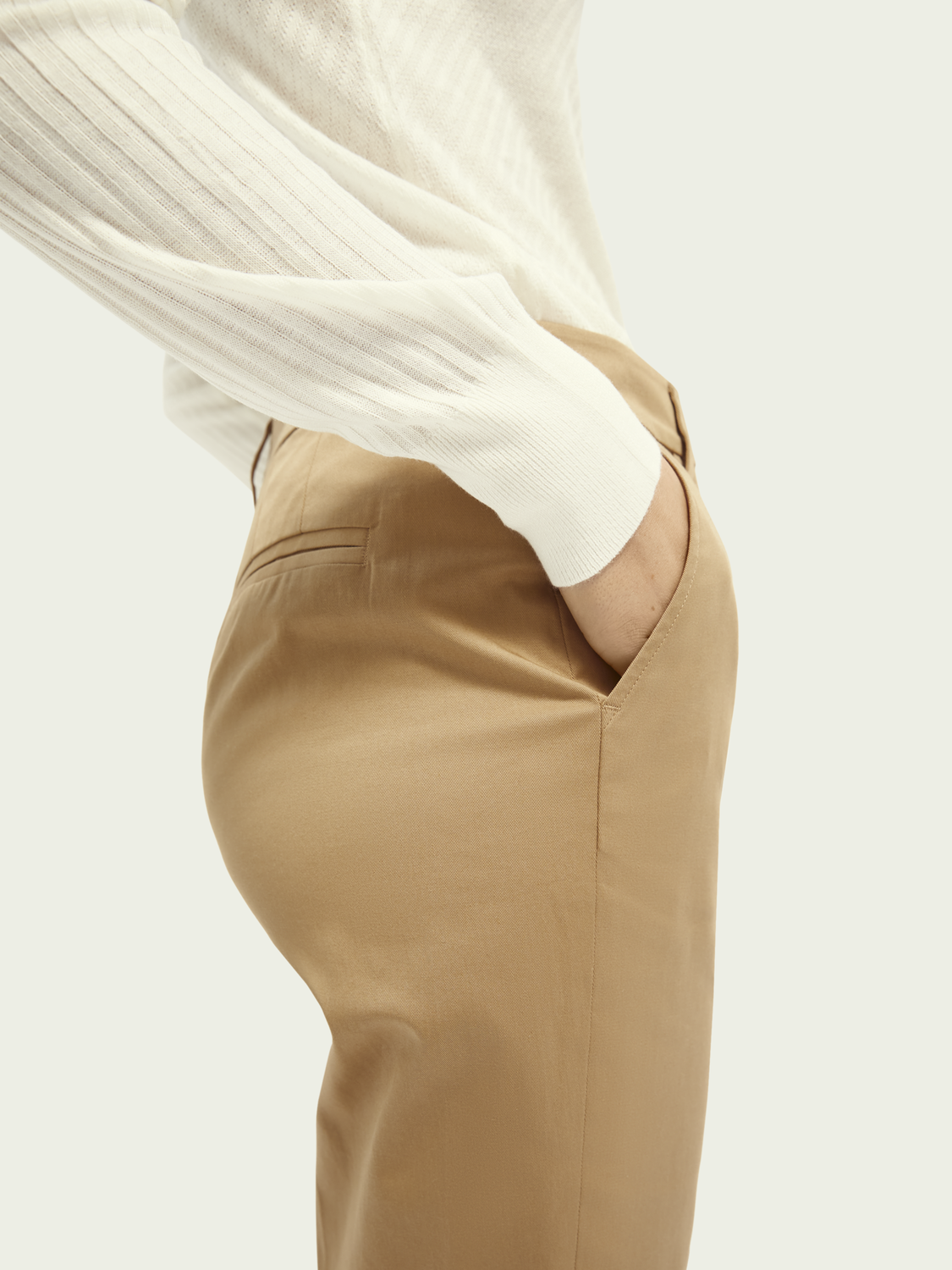Women Abott | Mid-rise regular fit chino