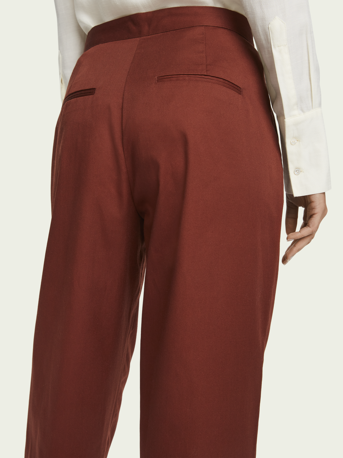 Women High-rise cotton-blend pleated twill chino