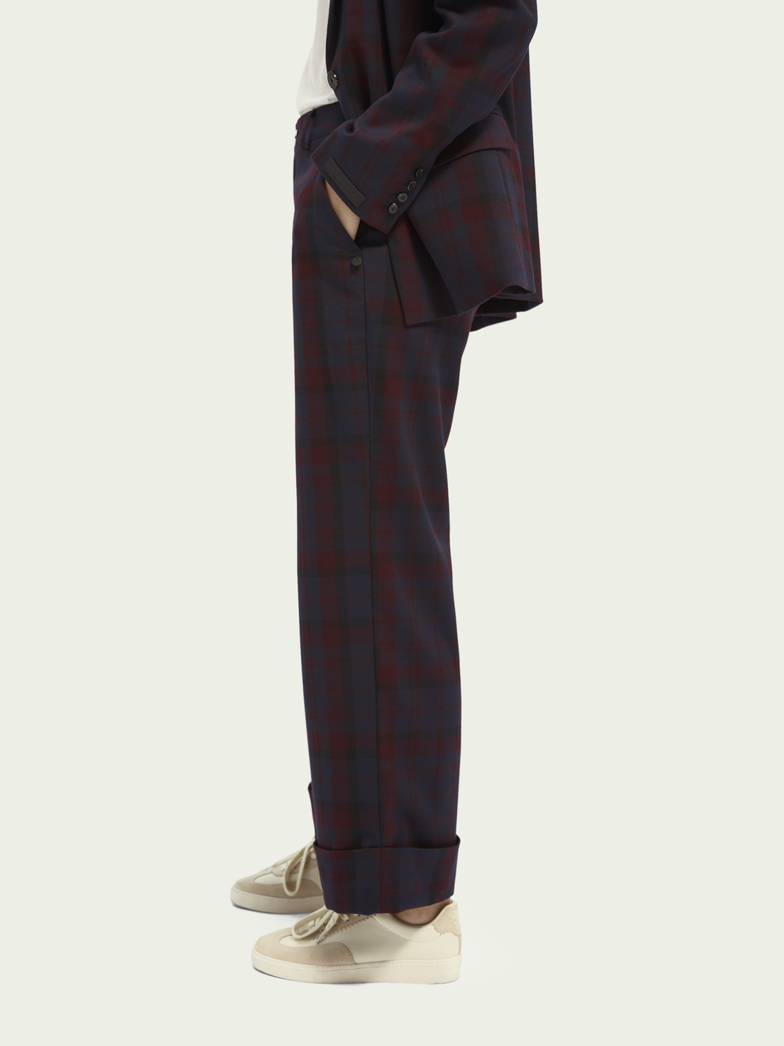 Women Tailored mid-rise check pants