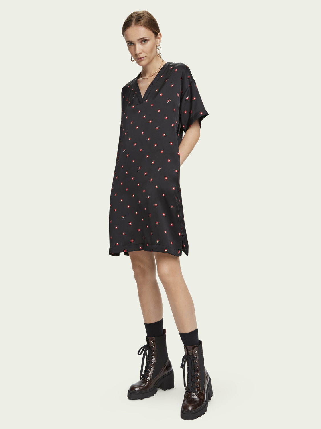 Women Satiny V-neck short sleeve dress