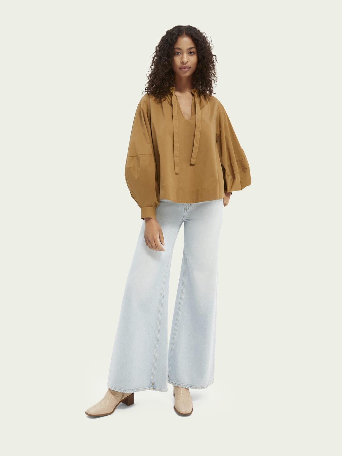 Promo Puffed long-sleeved blouse