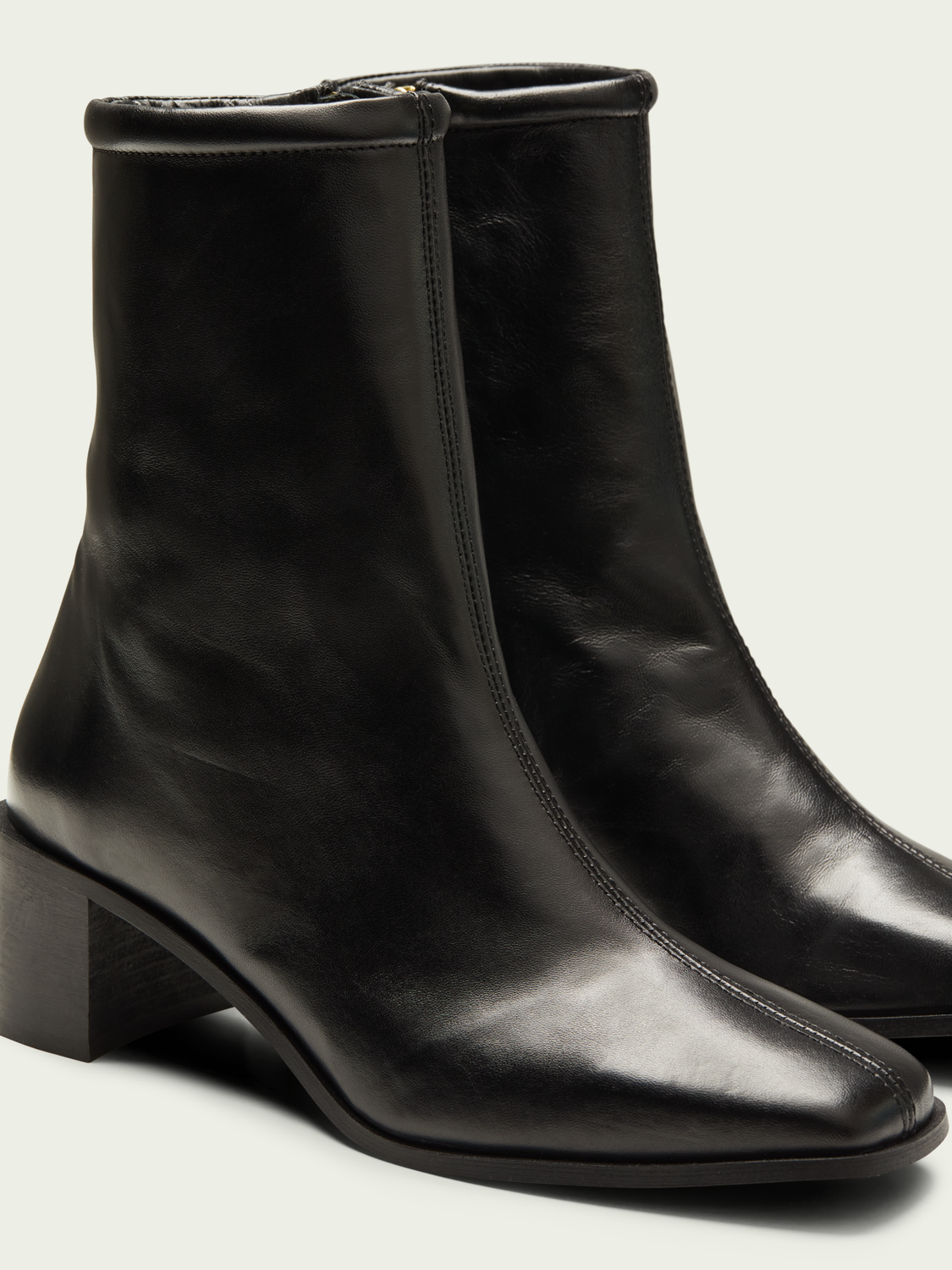 Women Flora mid-length leather boot