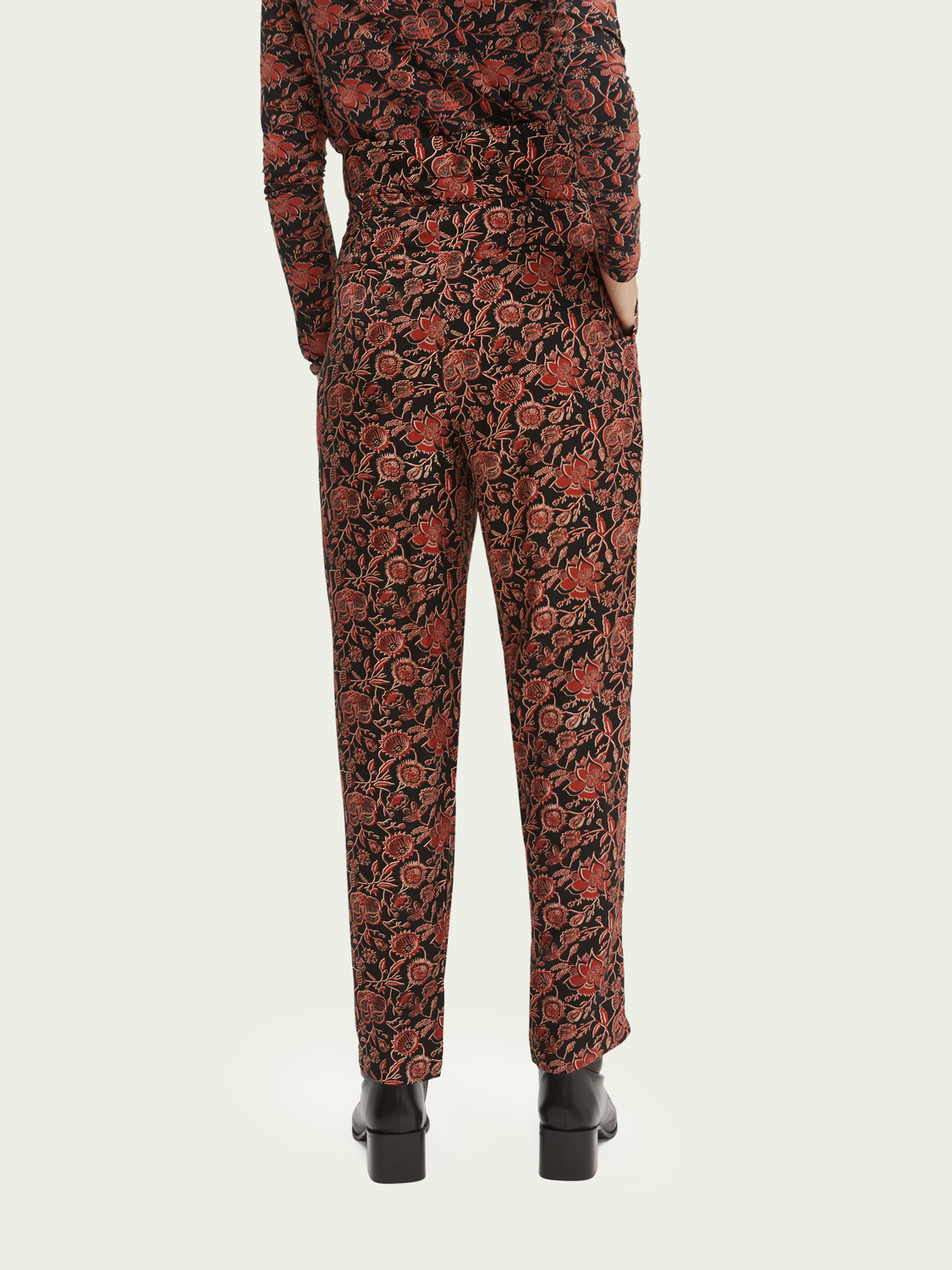 Women Printed tapered paper bag trousers