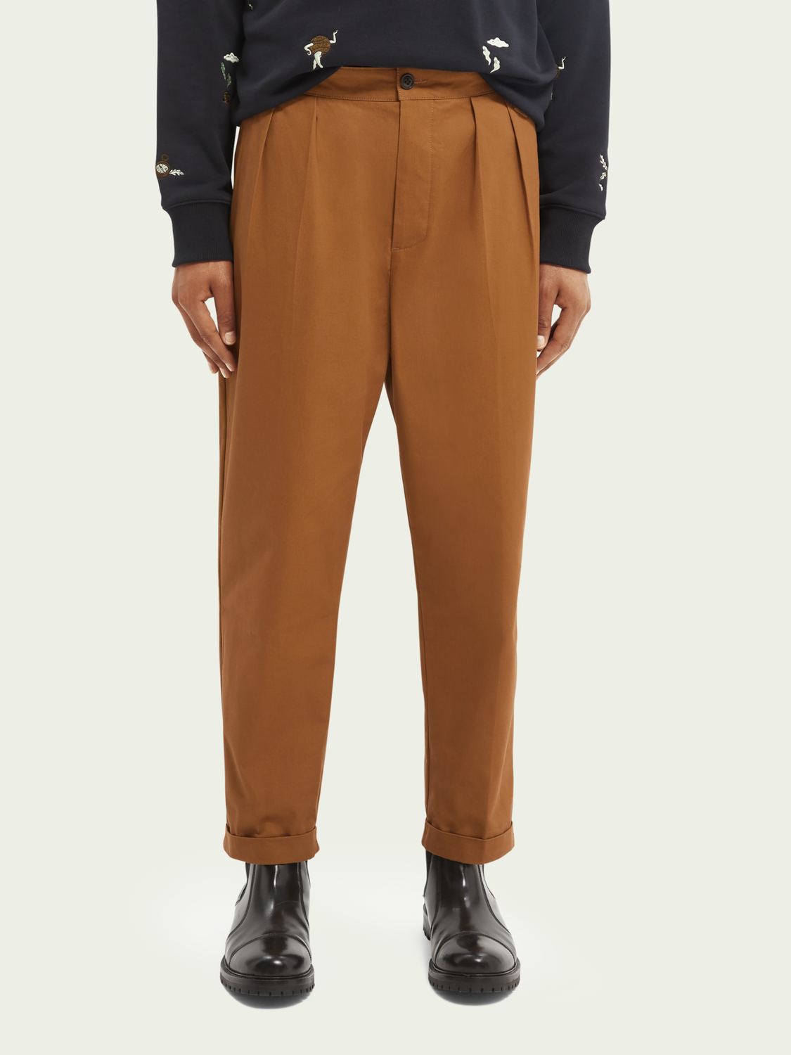 Men Loose tapered fit chino