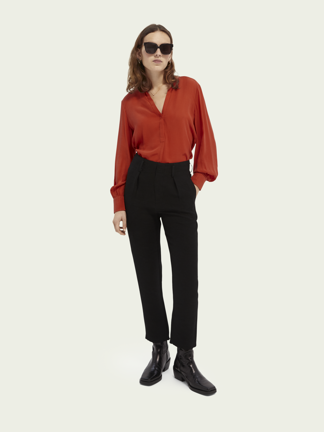 Women High rise tapered trousers