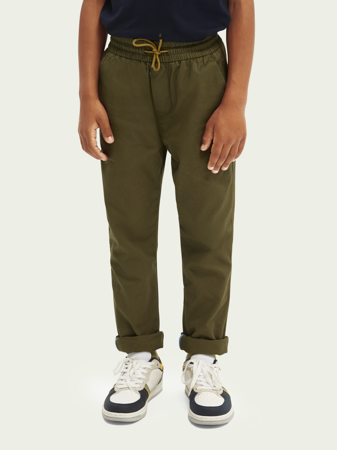 Barn Chinos med relaxed slim fit
