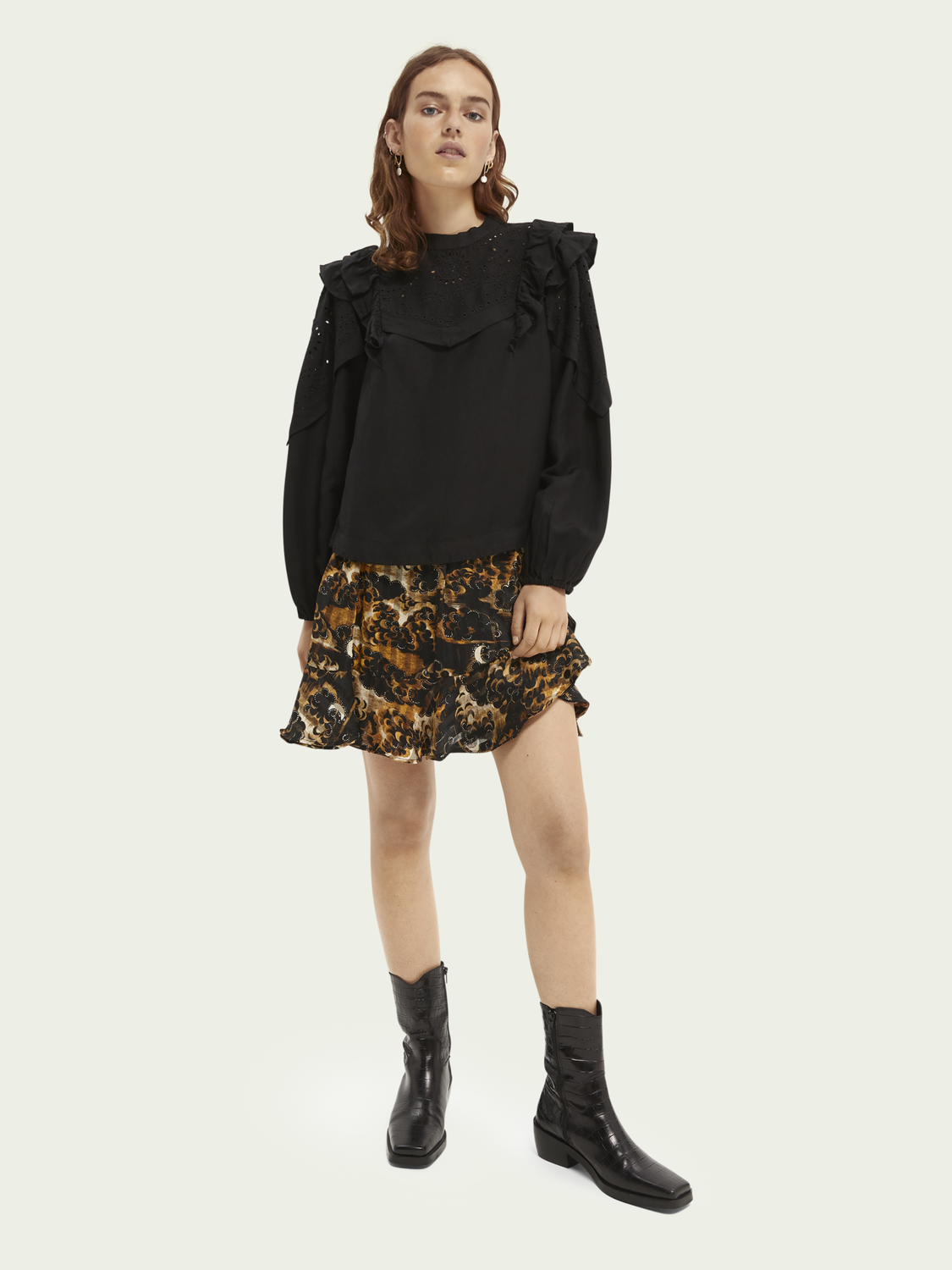 Women Embroidered balloon-sleeved top