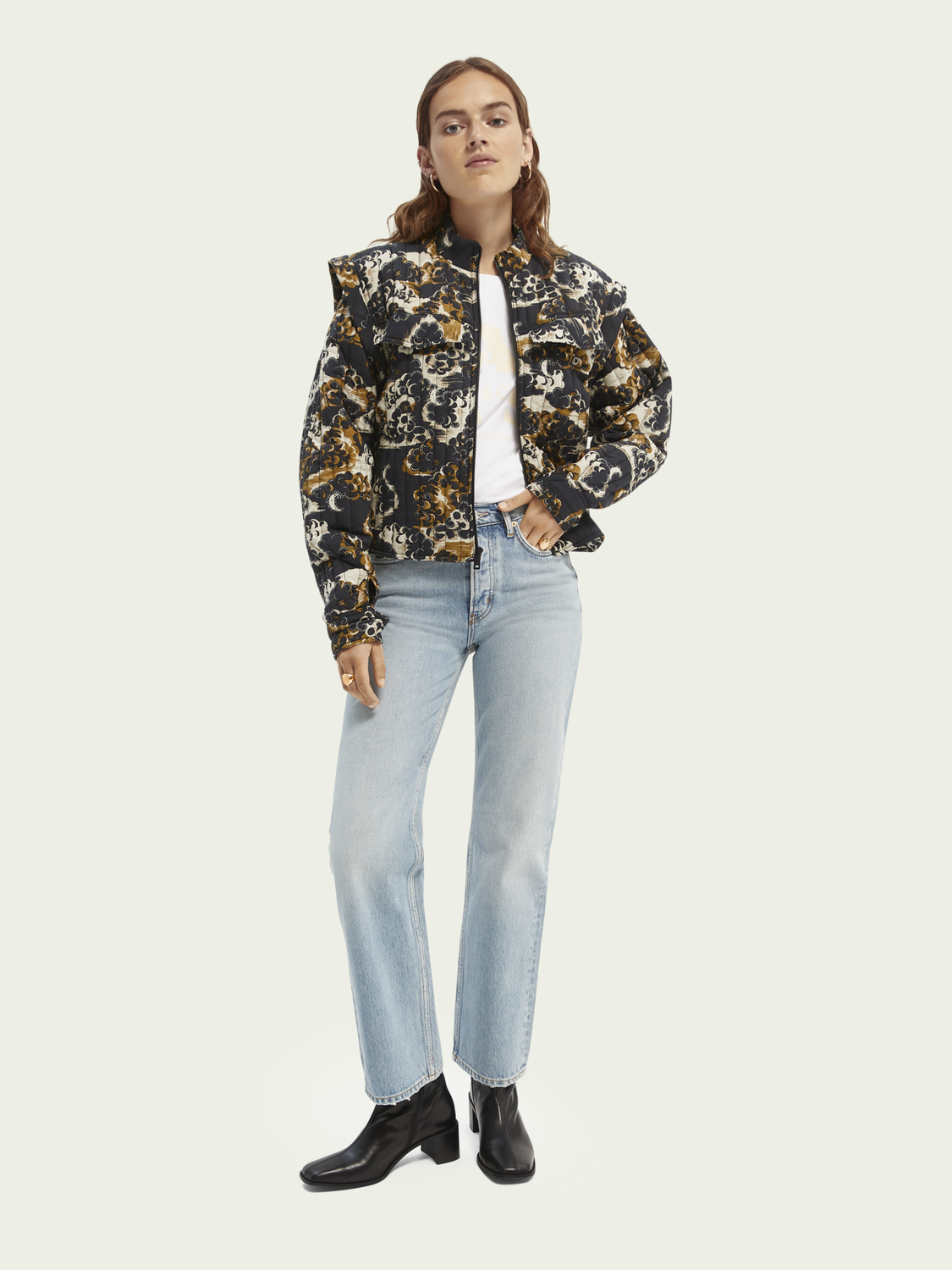 Women Printed quilted jacket with removable sleeves
