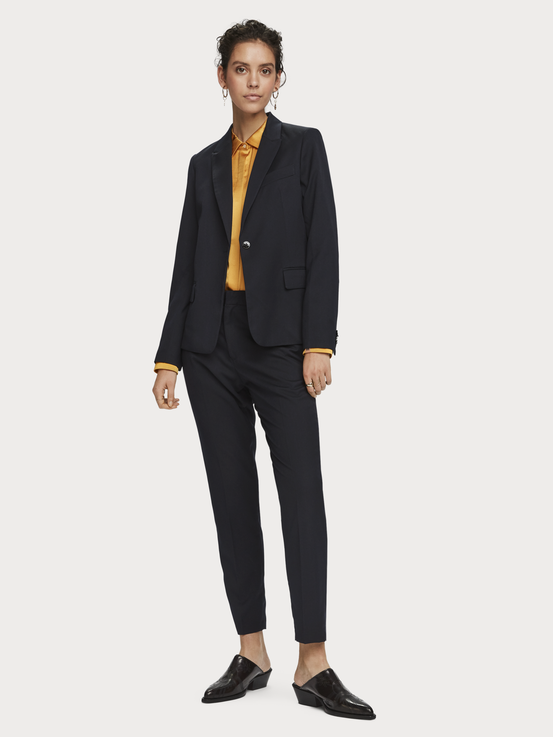 Women Classic Tailored Blazer