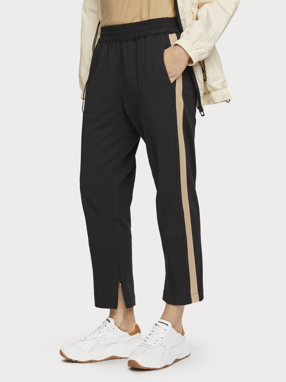 Women Side Stripe Sweatpants
