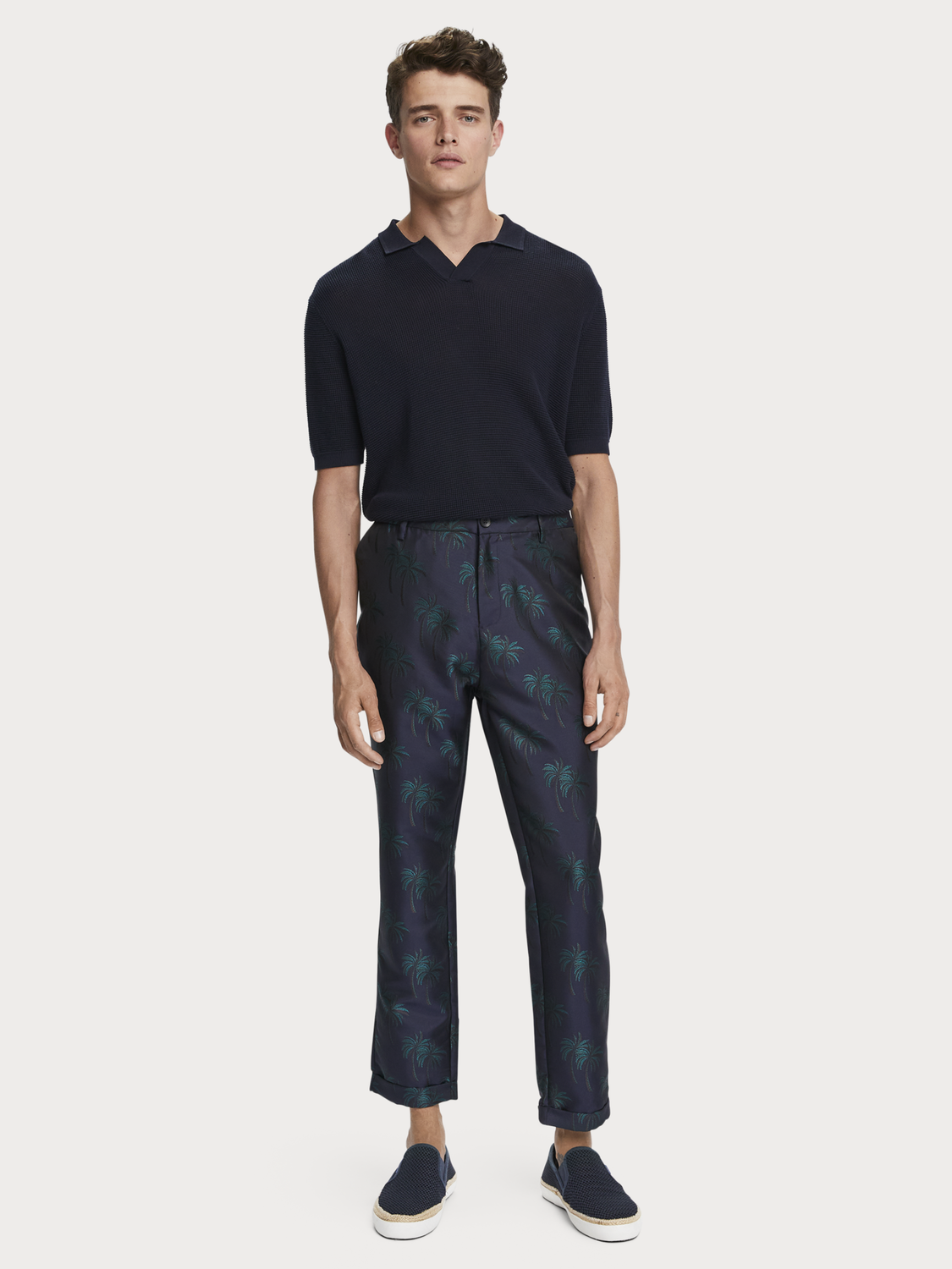 Men Fave - palm tree jacquard trousers | Regular tapered fit