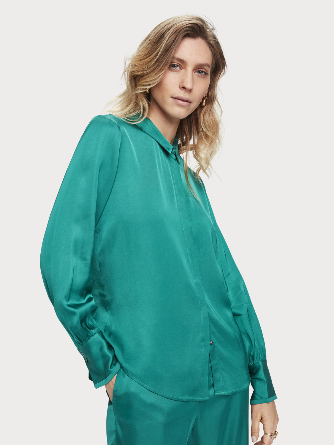 Damen Shirt aus Viskose-Satin
