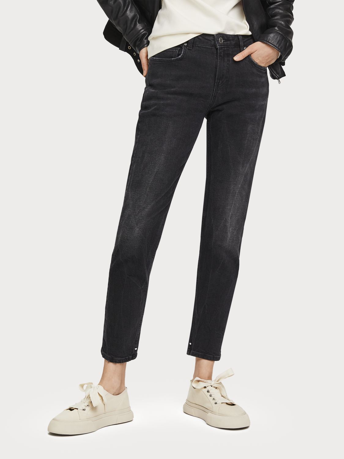 Women The Keeper - Better In Black | Mid rise slim fit