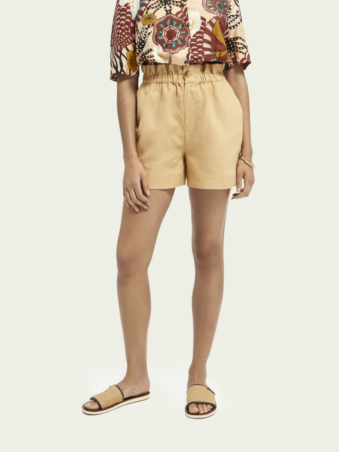 Women Elasticated linen shorts
