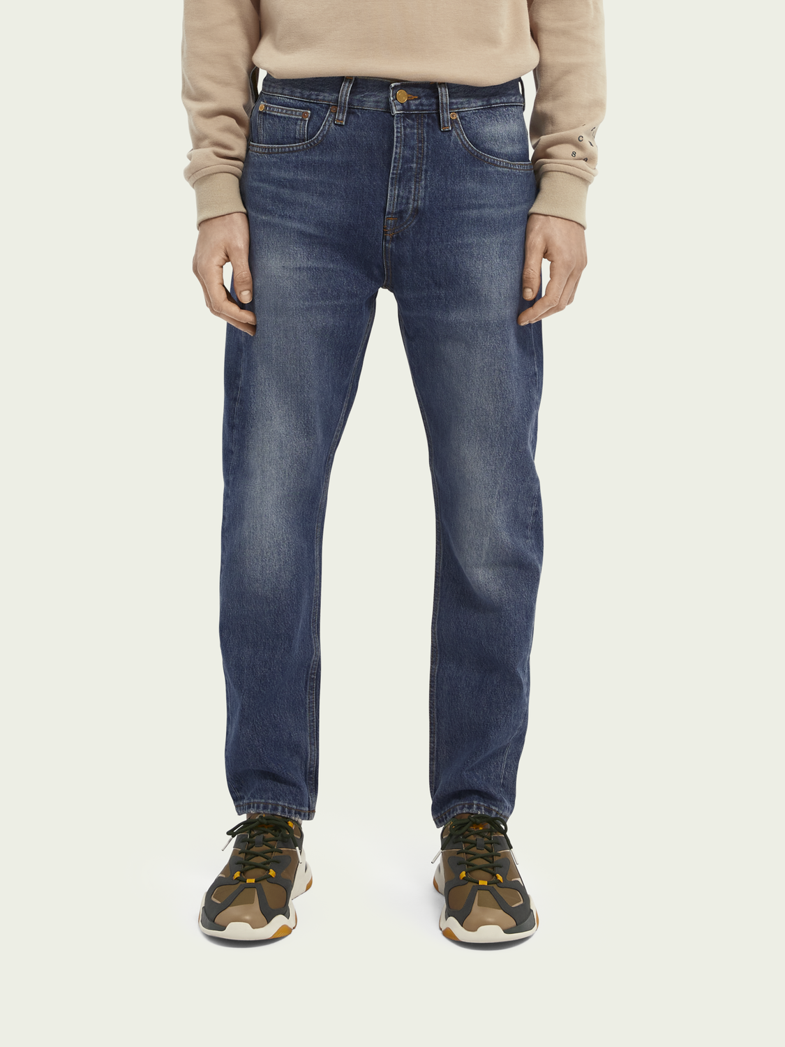 Homme Jean loose tapered fit en coton bio Dean – Washout