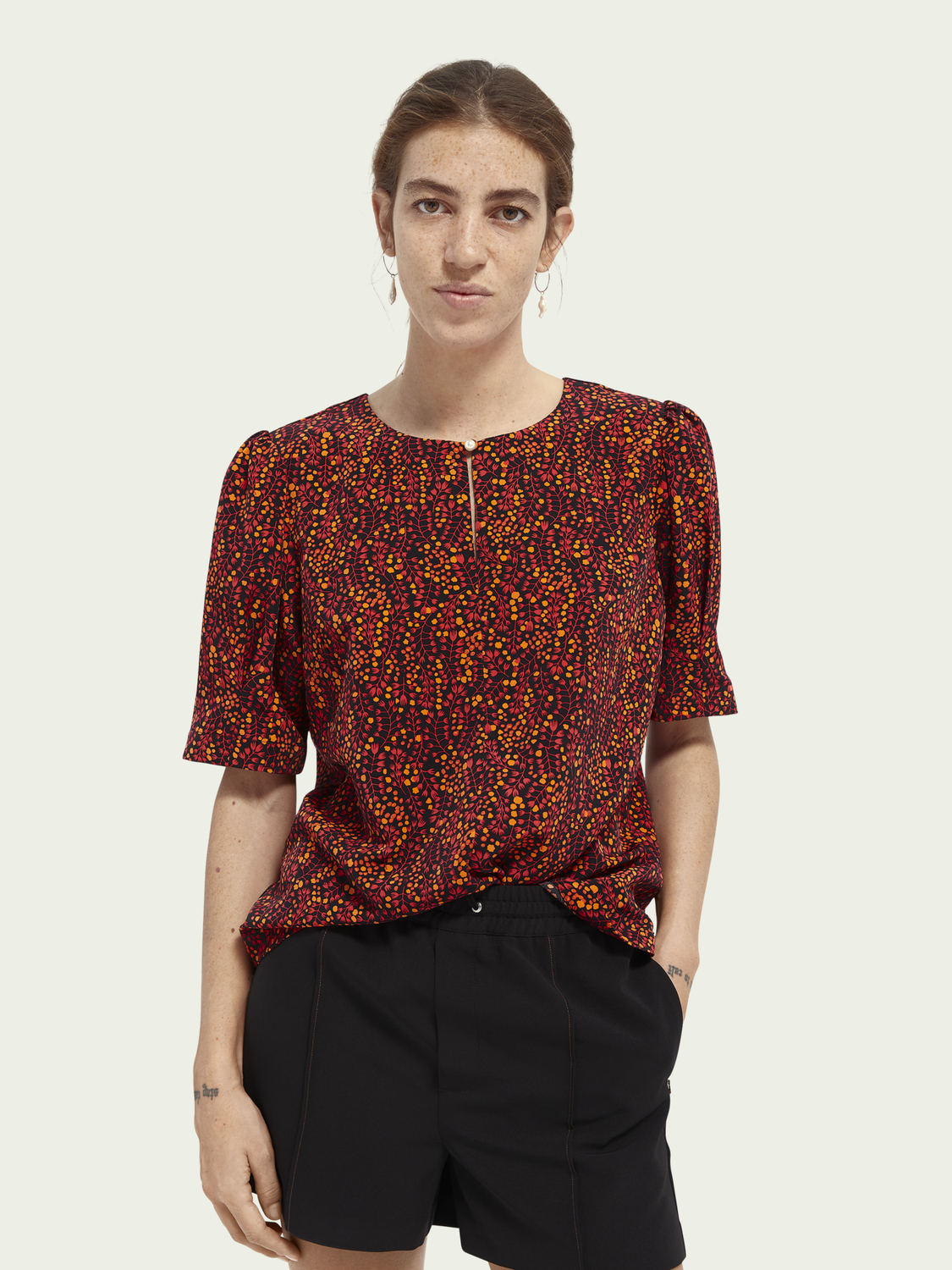 Women Printed gathered sleeve top