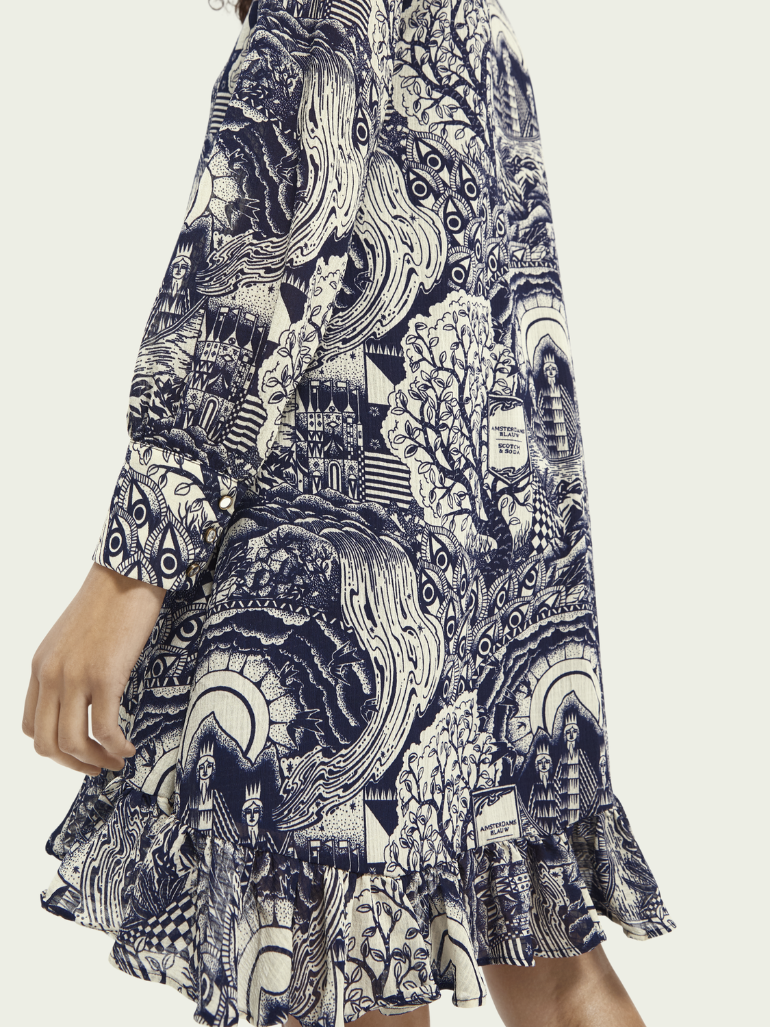 Women Long sleeved V-neck print dress