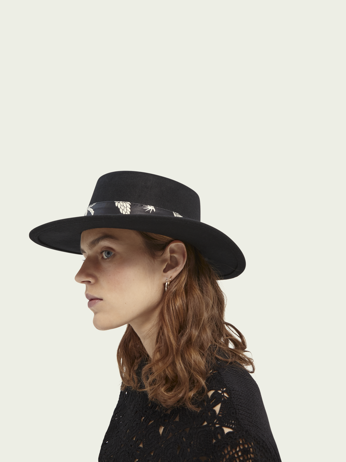 Women Wool hat with printed ribbon