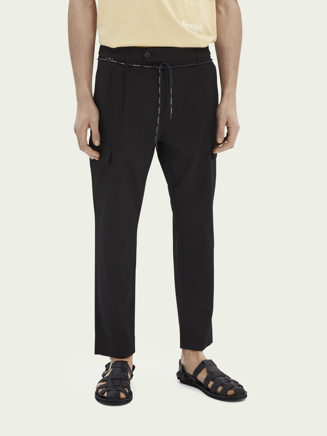 Men Twilt cargo pocket loose tapered-fit chino