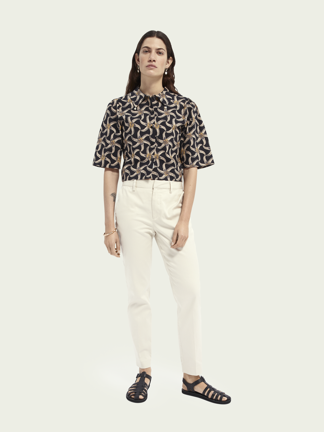 Women Printed puffy sleeve cropped shirt