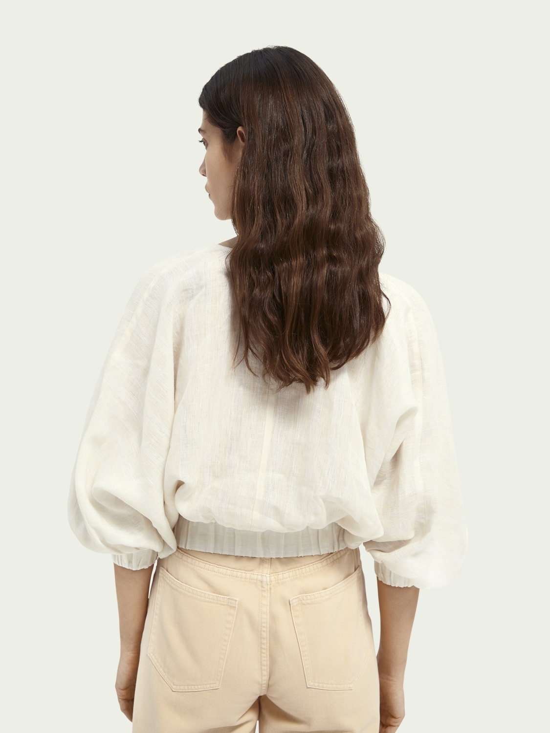 Women Voluminously sleeved linen top