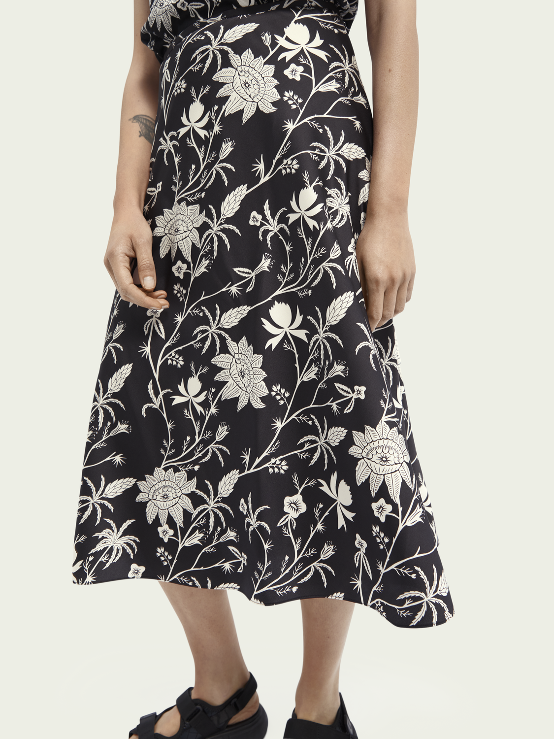 Women Relaxed midi skirt