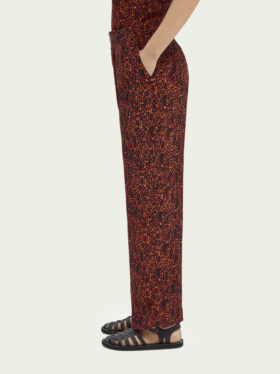 Women Printed mid-rise trousers