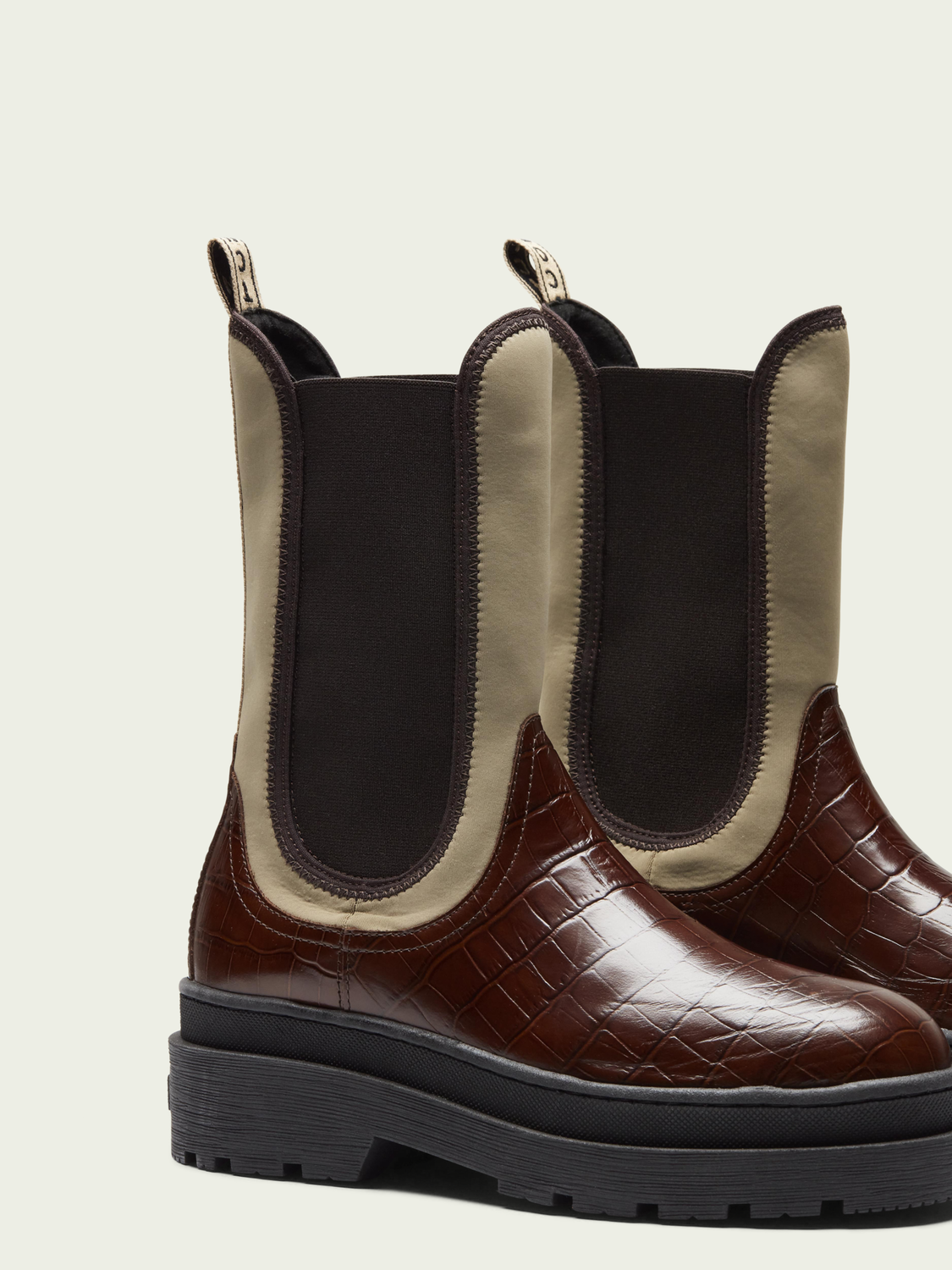Women Aubri brown chelsea boot
