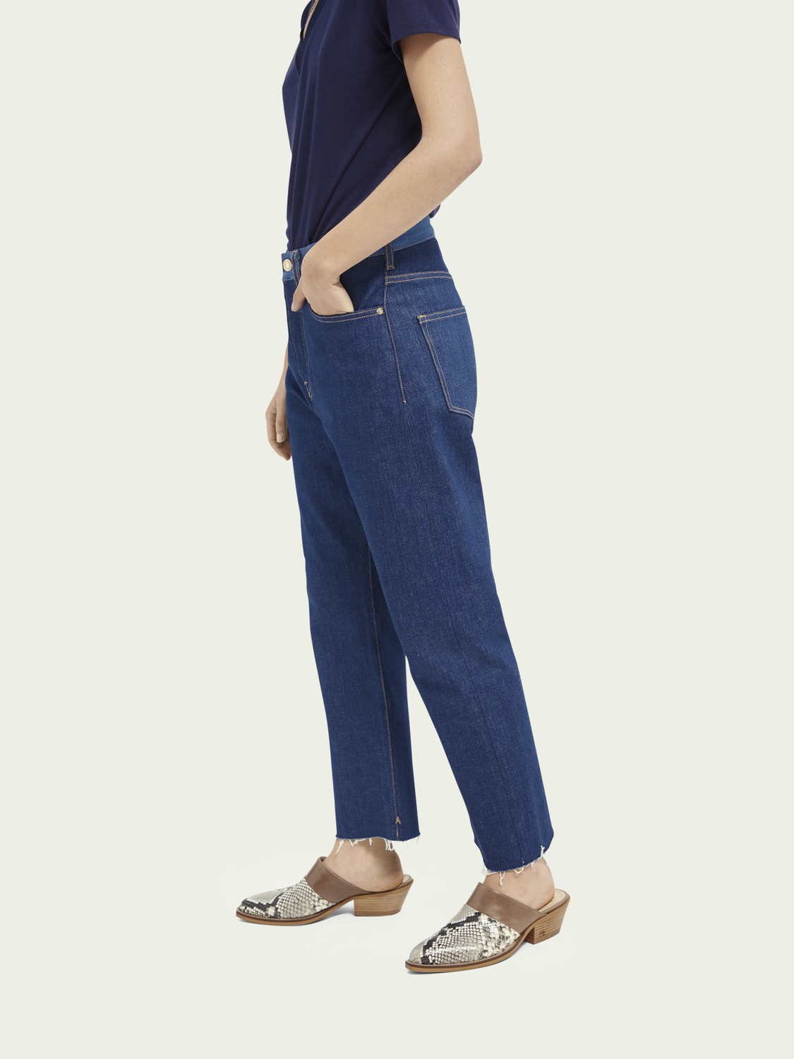 Women Extra boyfriend jeans - Dress For Adventure