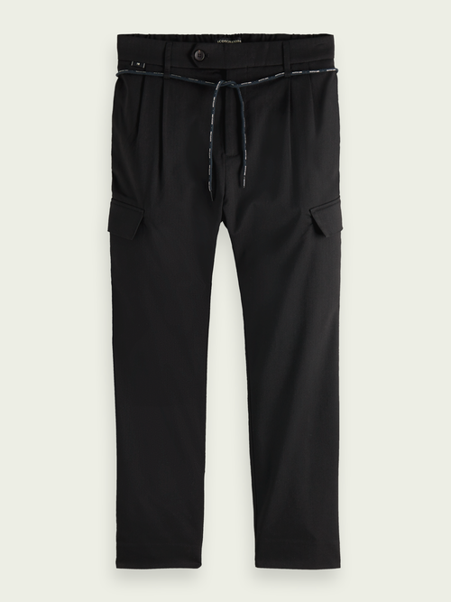 Men Twilt chinos with loose tapered fit and cargo pockets