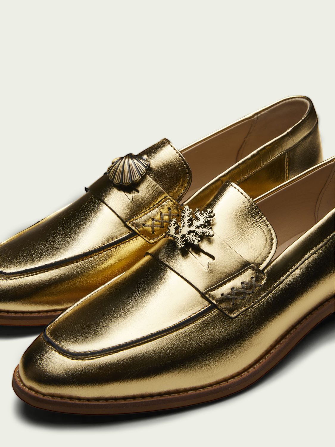 Women Loel golden loafers