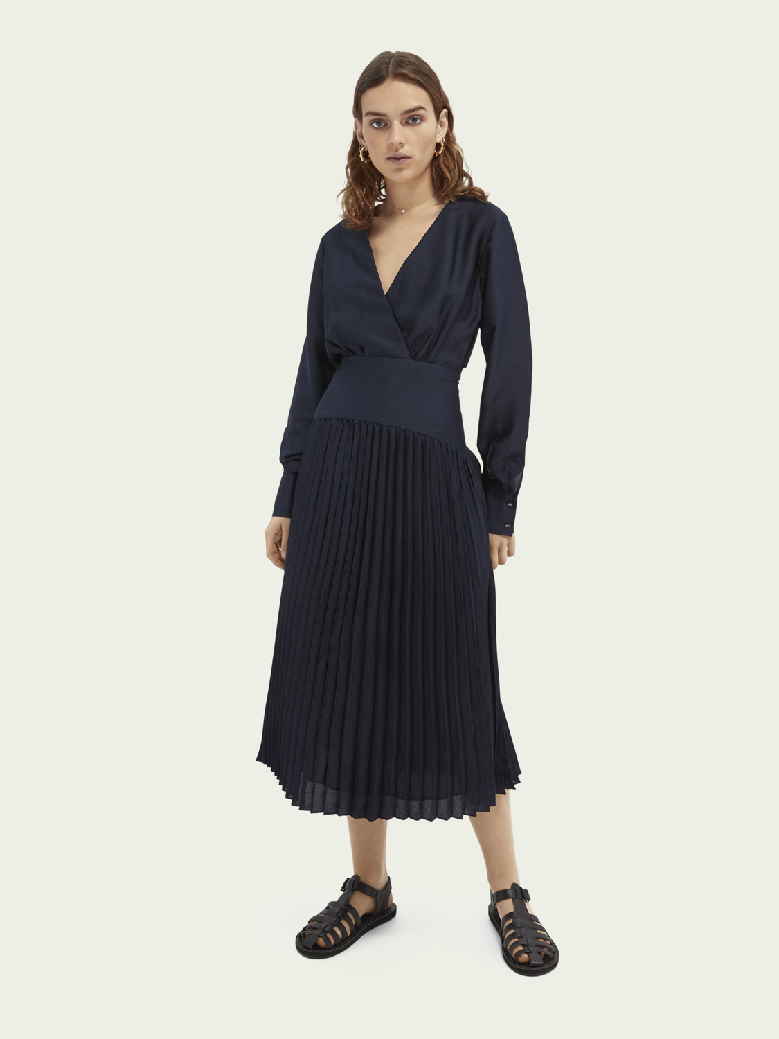 Women Pleated V-neck midi dress