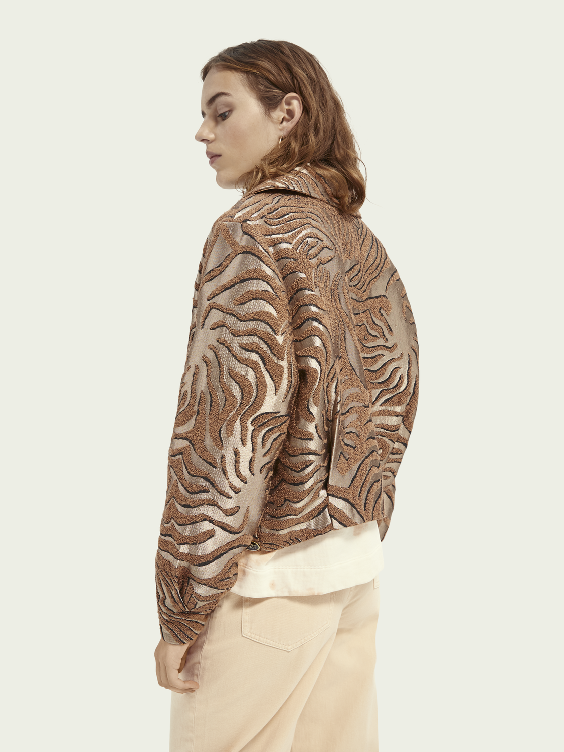 Women Short textured jacquard jacket