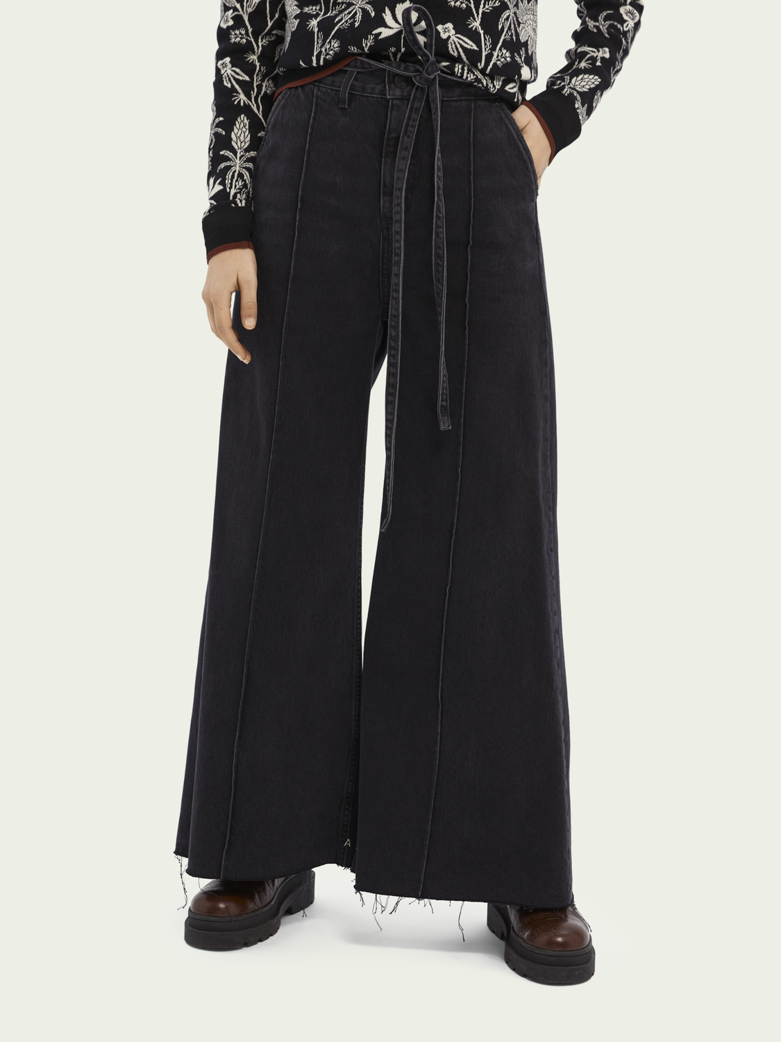 Women High-rise extra-wide leg jeans - Black Butter