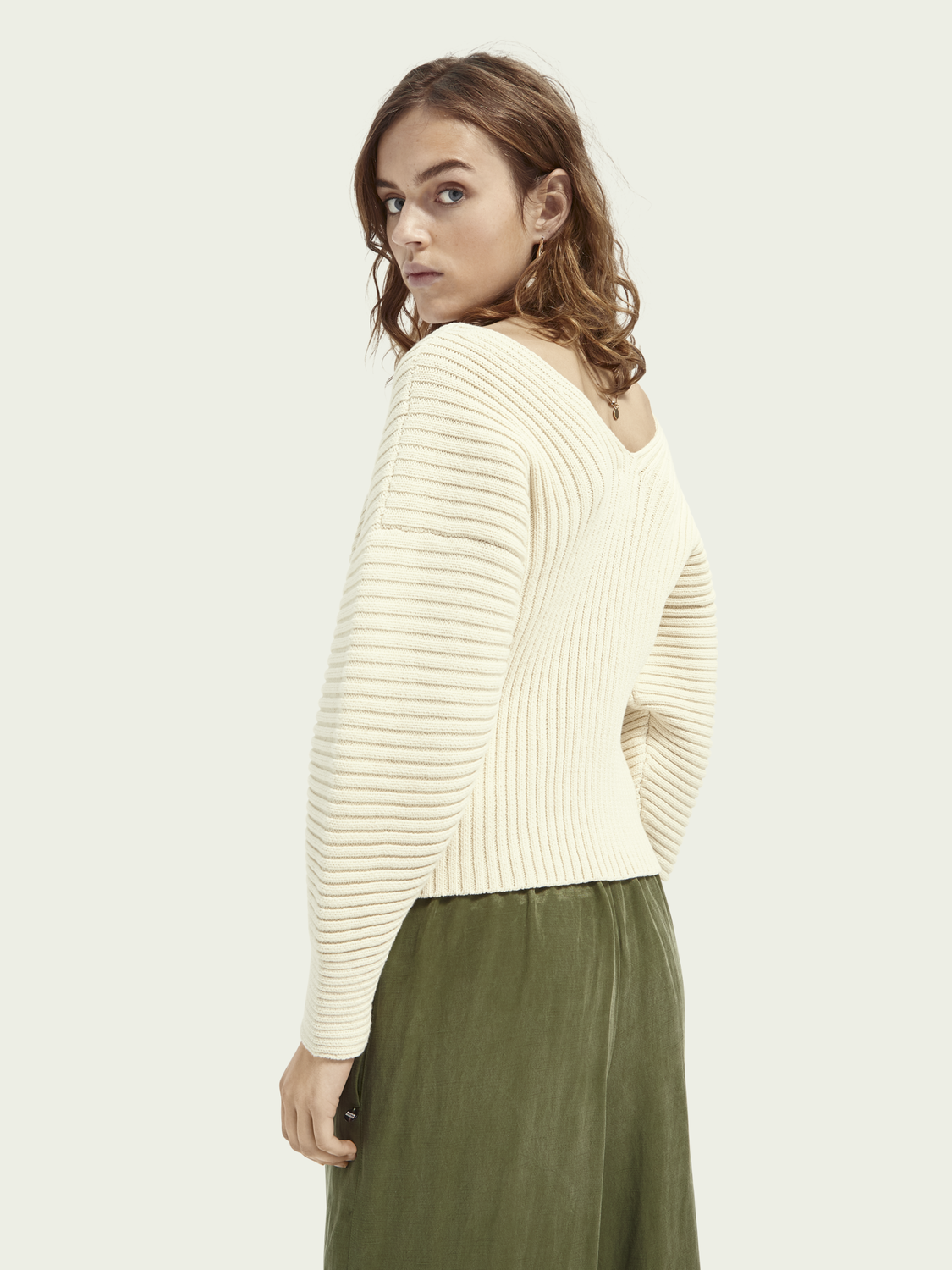 Women V-neck ribbed cotton-blend sweater