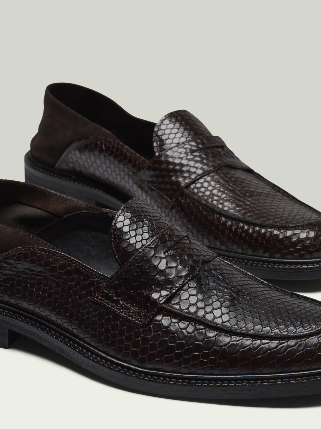 Men Wylder snake-effect loafers