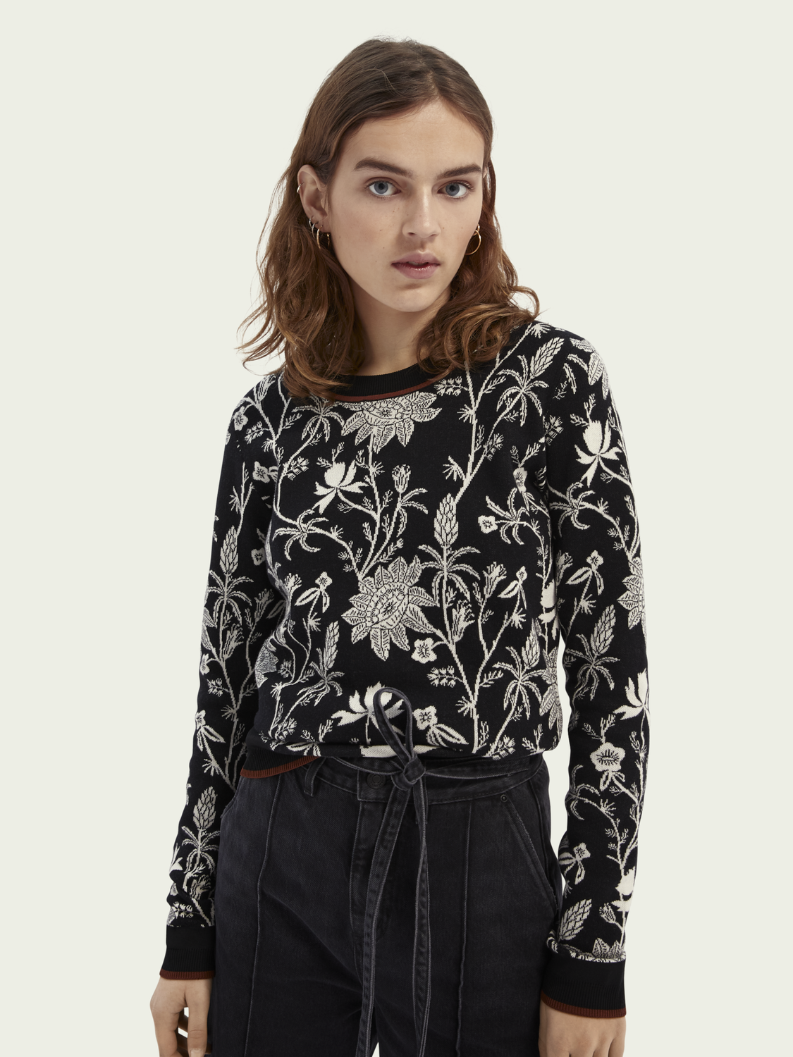 Women Knitted sweater in floral-print