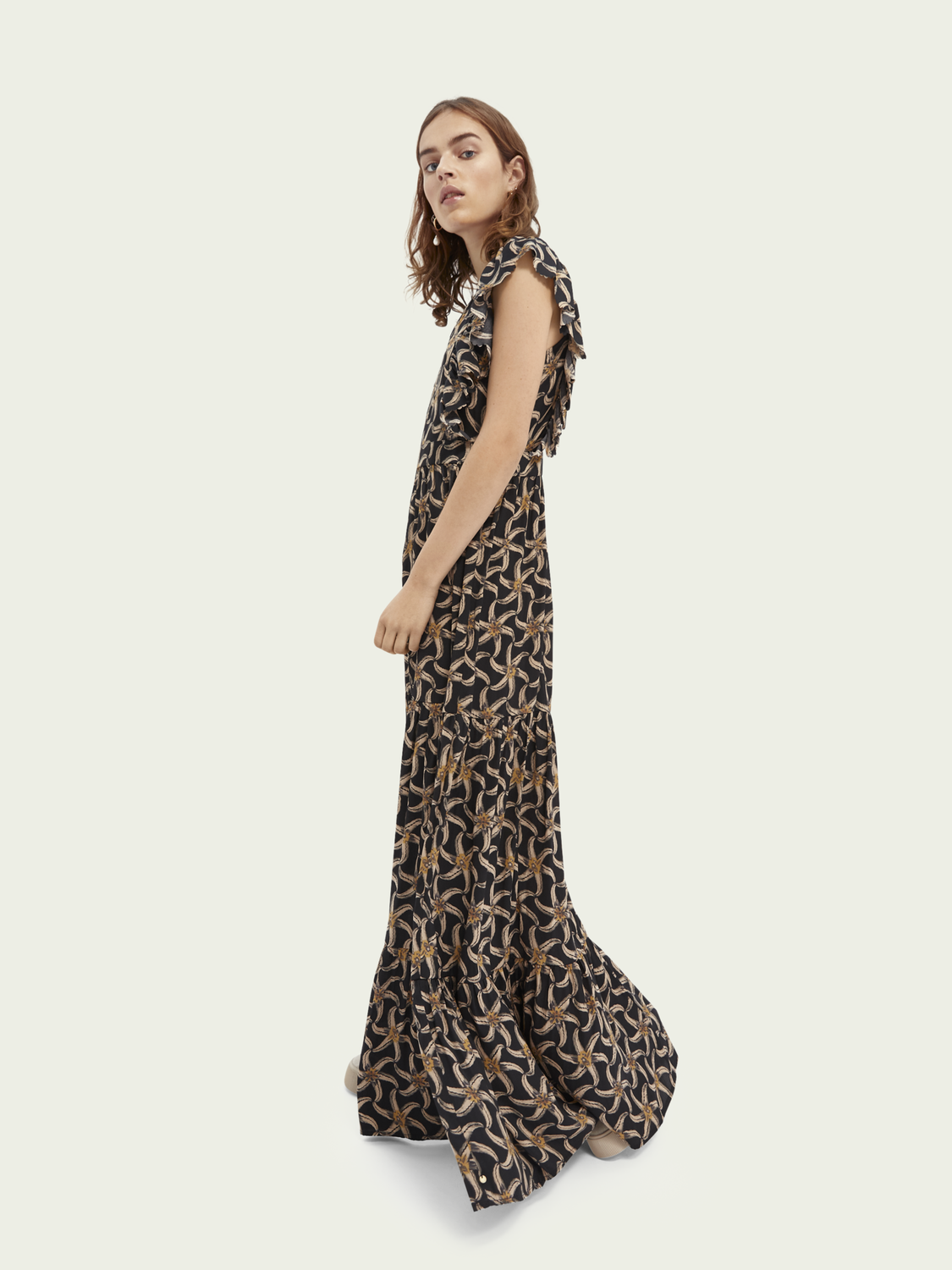 Women Drapey scalloped edge maxi dress