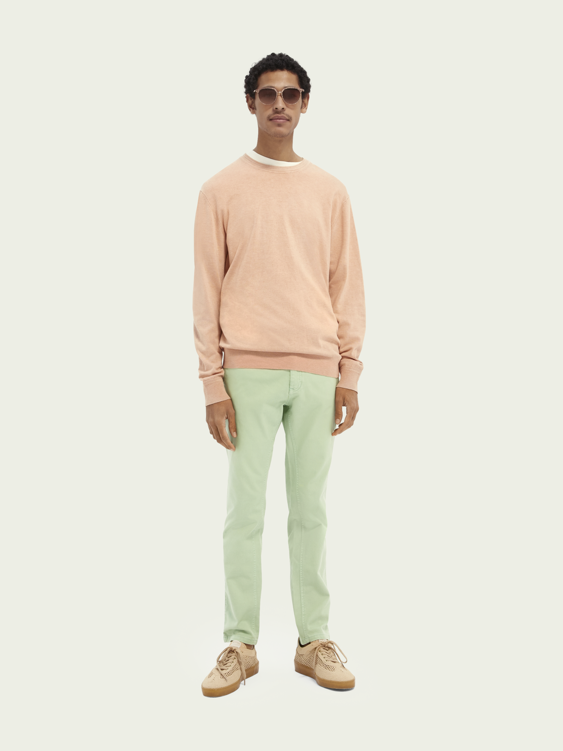 Men Mott classic garment-dyed twill chino