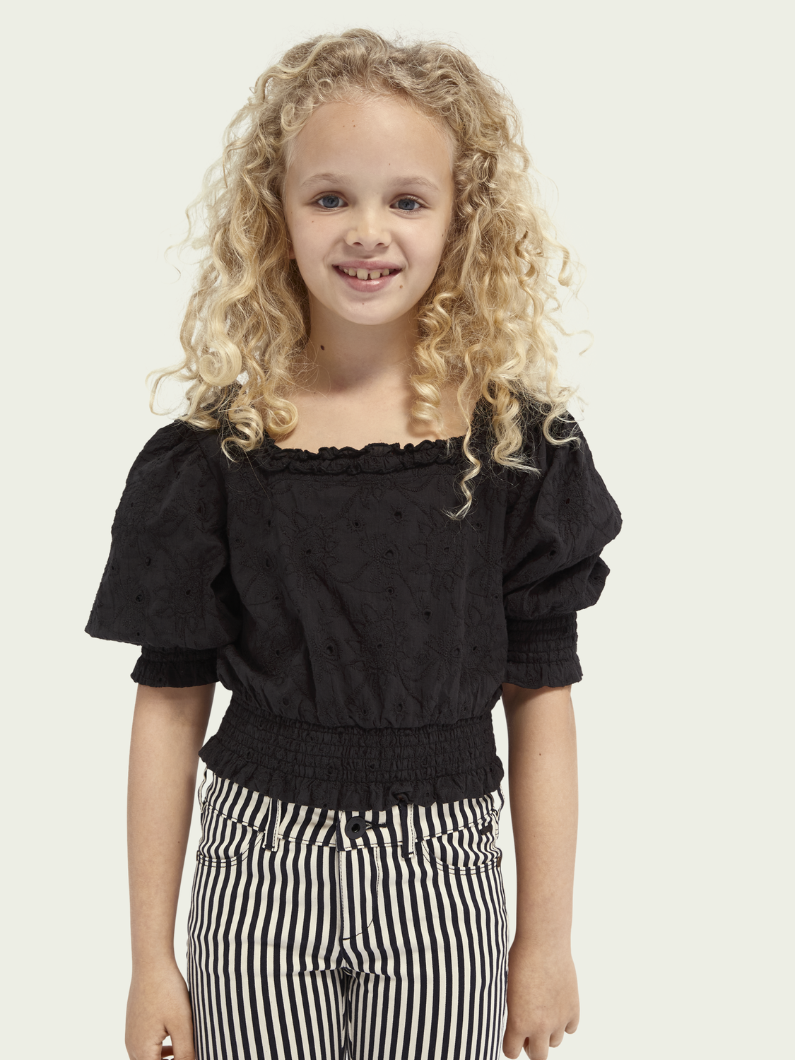 Kids Off-shoulder cropped broderie anglaise top