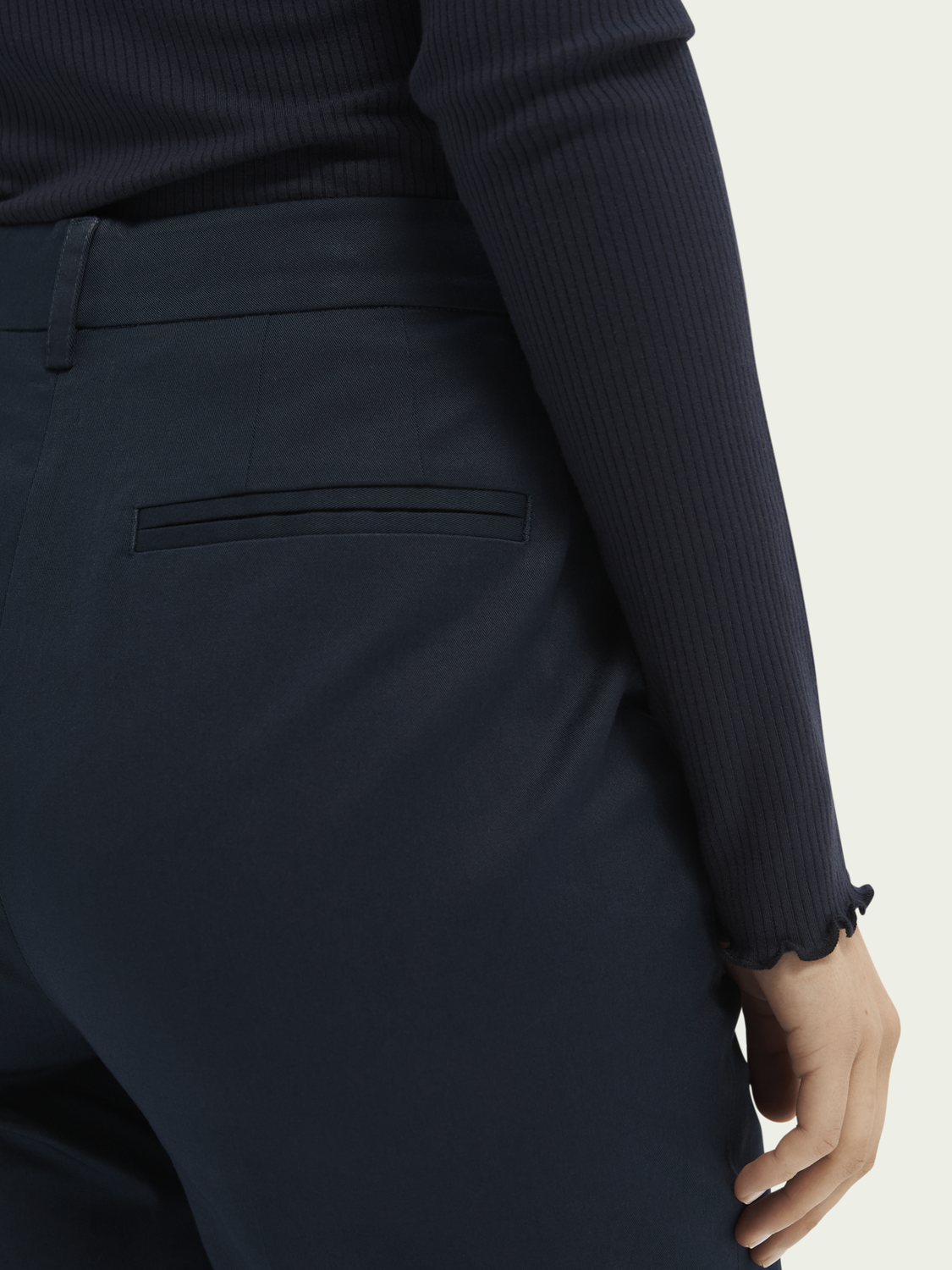 Femme Chino regular fit à imprimé Abott