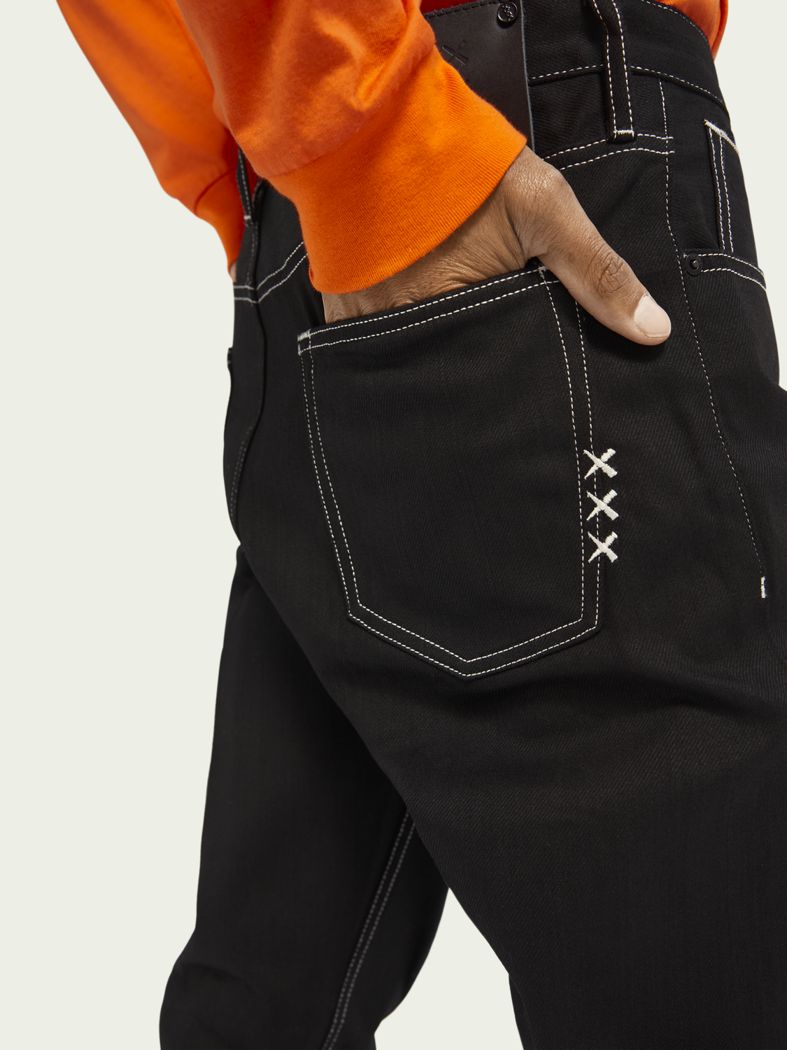Men The Norm straight high-rise jeans ─ Black Selvedge