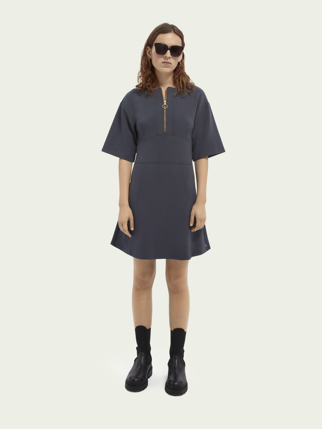 Women Half zip short-sleeved dress